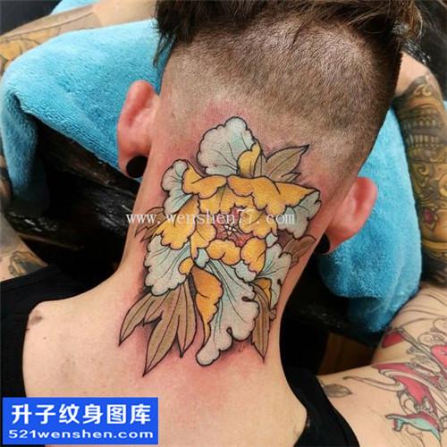男性脖子传统彩色牡丹纹身图片大全