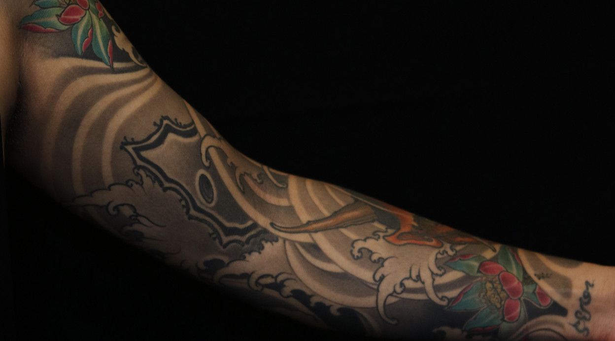 <b>观音桥纹身 新传统花臂纹身图案</b>