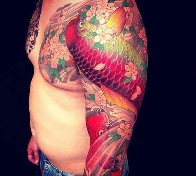 重庆专业纹身店 炫丽的大传统鲤鱼纹身图案大全