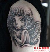手臂天使纹身图案