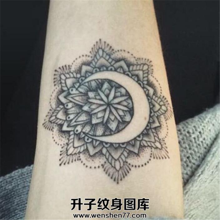 梵花空白月亮纹身图案