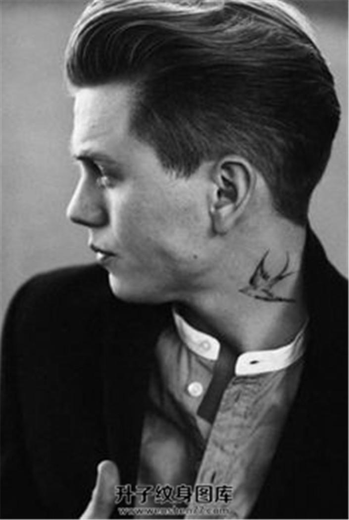 脖子燕子纹身图案
