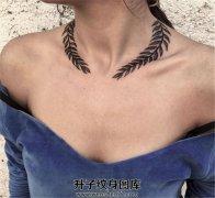 锁骨上方颈侧花枝纹身图案