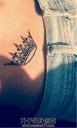 腰腹部的黑色皇冠
