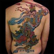 背部彩色大圣纹身图案