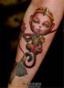 小臂上可爱的大圣纹身