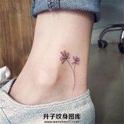 脚踝小清新花朵纹身