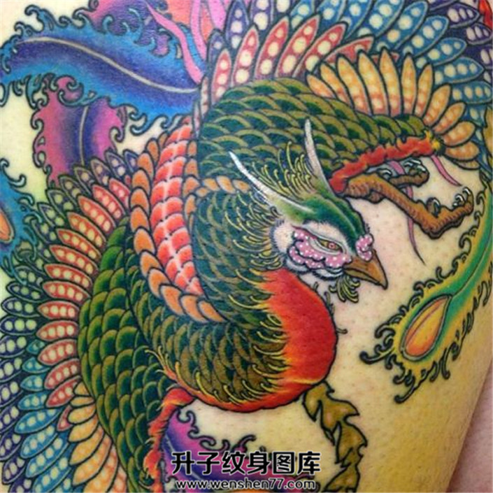 彩色凤凰纹身图案