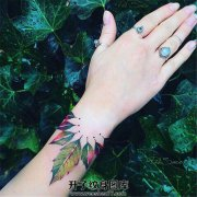 女生手腕创意叶子纹身图案大全