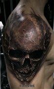 男性欧美风格大臂暗黑骷髅纹身