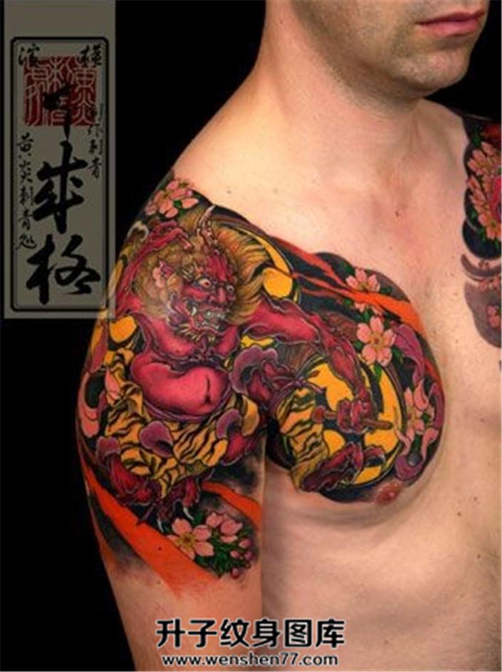 男性日式传统雷神半甲纹身