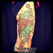 男性大腿传统麒麟樱花纹身