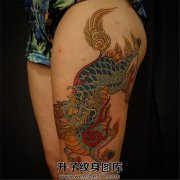 女性大腿传统麒麟纹身