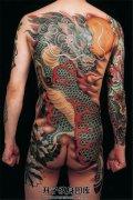 男性霸道的满背麒麟纹身