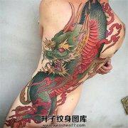 男性满背臀部传统麒麟纹身