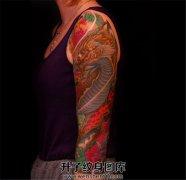 女性传统麒麟七分臂纹身