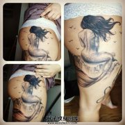 女性大腿臀部美人鱼纹身