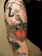 男性大臂美人鱼心骷髅纹身图案