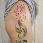 女性大腿纹身美人鱼素材