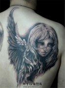 男性背部纹什么好 天使纹身
