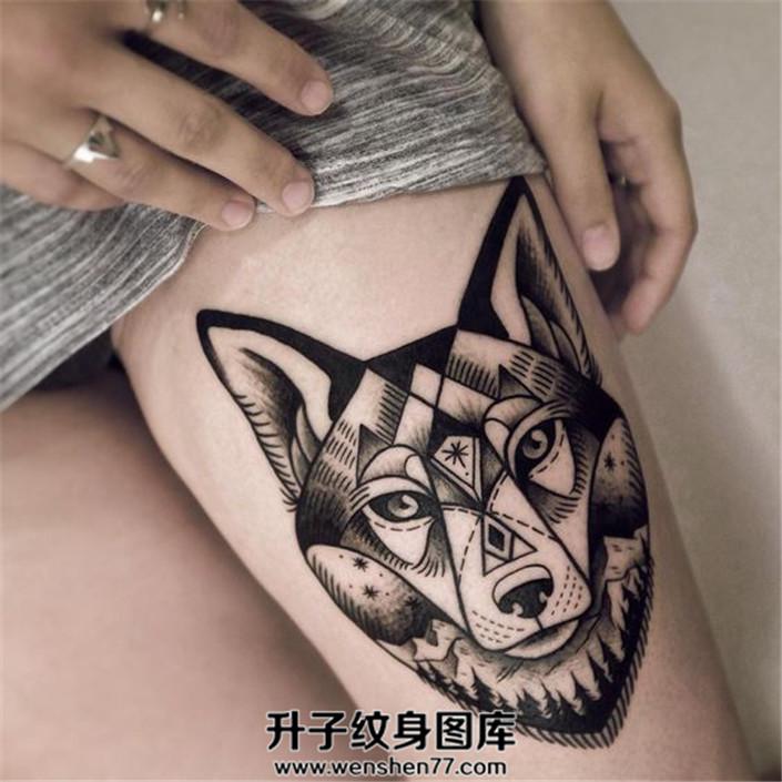 女性腿部可以纹什么?女性大腿狼头纹身图案