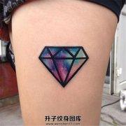 女性大腿钻石形状星空纹身