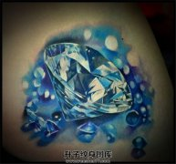 女生肩部纹什么好?钻石纹身