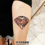 女生小臂钻石星空纹身图案