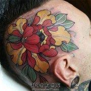 男性头部牡丹纹身