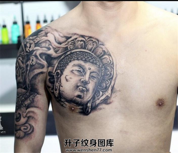 男性半甲纹身胸口佛头纹身