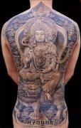男性满背佛纹身