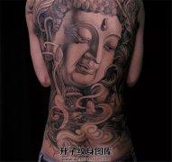 男性满背纹身佛纹身