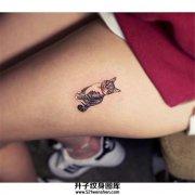 女生大腿可爱的带项圈的猫猫纹身