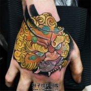 手背纹的较多的素材是?唐狮子纹身