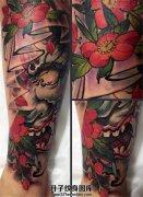 女性小臂传统般若纹身