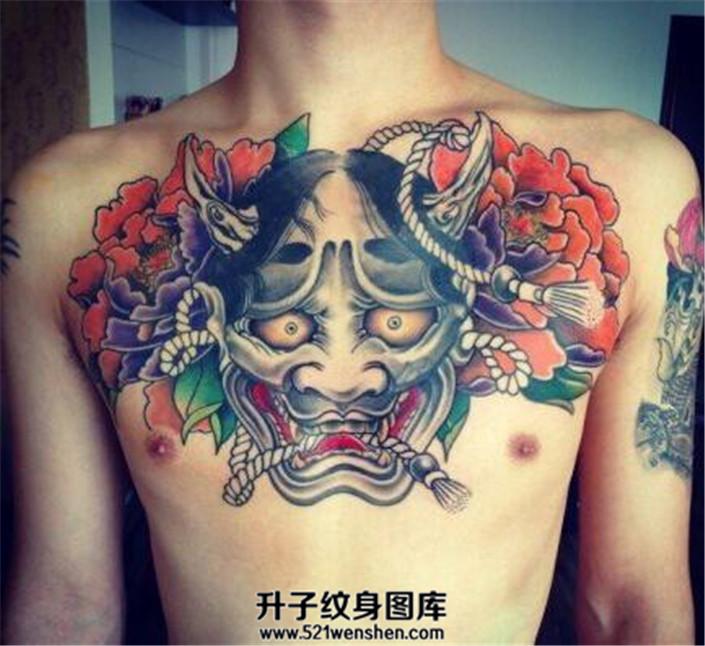男性胸部般若牡丹纹身花胸纹身