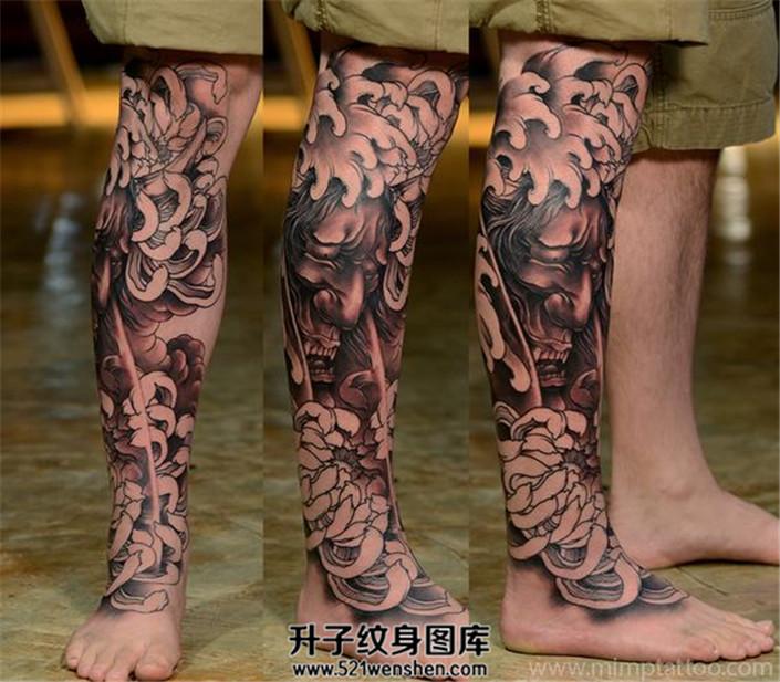 男性小腿传统般若菊花纹身