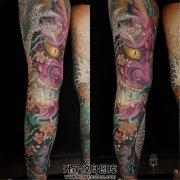纹身纹在哪里好?如果你腿长大花腿是特别霸气