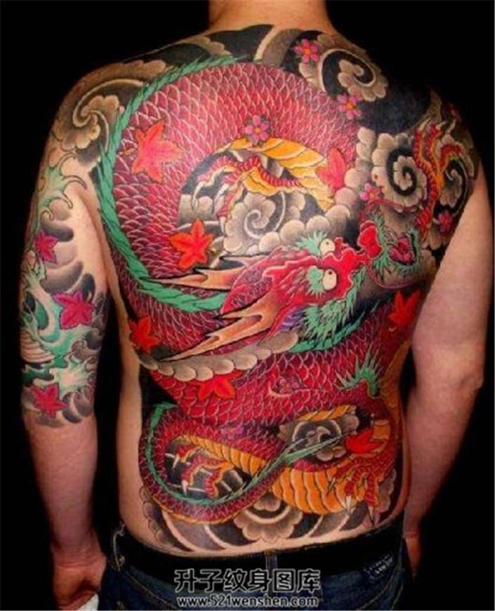 传统满背龙题材纹身非常好看的龙纹身