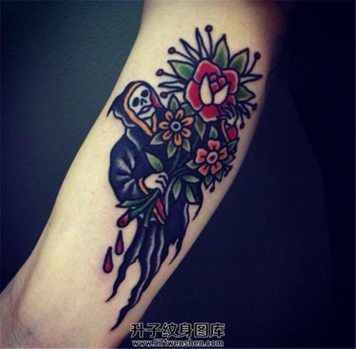 握着鲜花而非镰刀的死神纹身