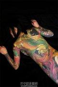 霸气侧漏的女性通体纹身