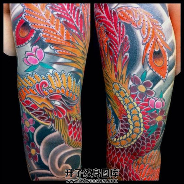 日式风格的凤凰大臂纹身