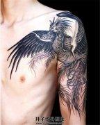 这是一只欧美的凤凰纹身