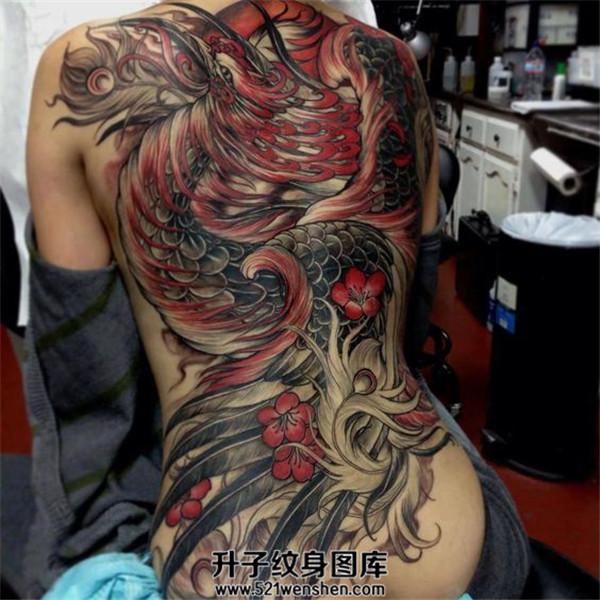 女性满背纹身纹什么好?