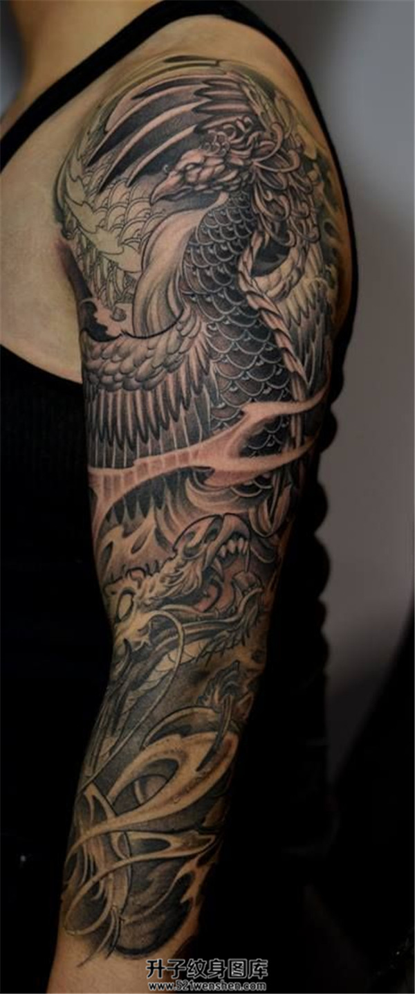 黑灰传统龙凤花臂纹身