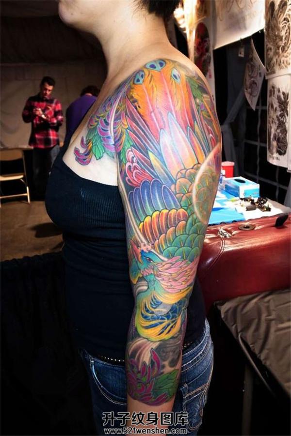 女性帅气凤凰七分臂纹身