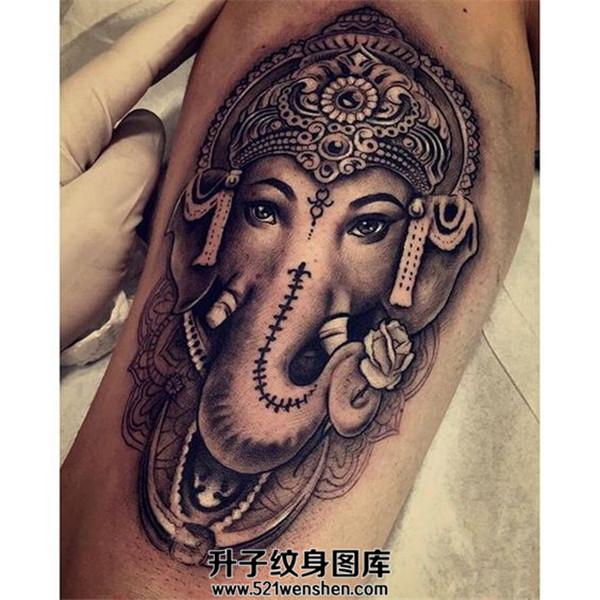 男性大臂象神纹身