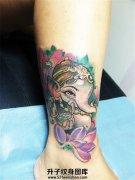 可爱彩色象神莲花纹身女生脚踝纹身