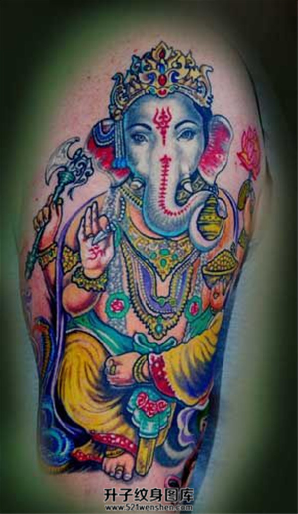男性大臂彩色象神纹身图案大全