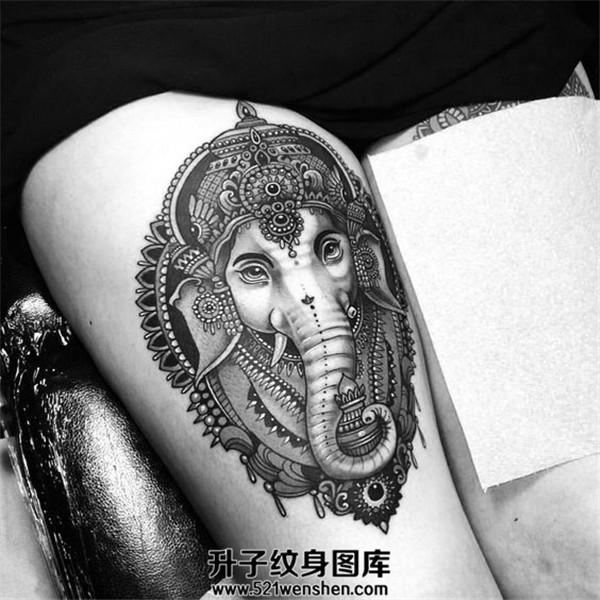 性感的大腿象神纹身